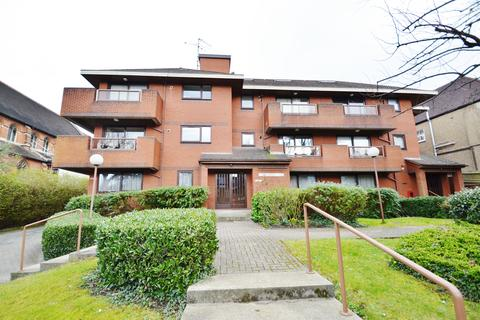 3 bedroom penthouse for sale - Holden Road, Finchley, N12