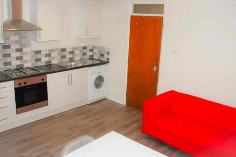 3 bedroom flat to rent - Turners Lane, Sheffield