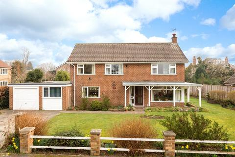 5 bedroom detached house for sale - Manor Close, Upper Poppleton, York, YO26