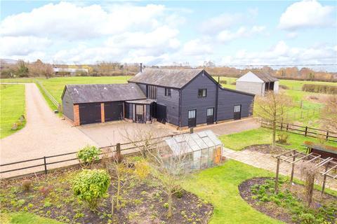 4 bedroom barn conversion for sale - Broughton, Aylesbury, Buckinghamshire