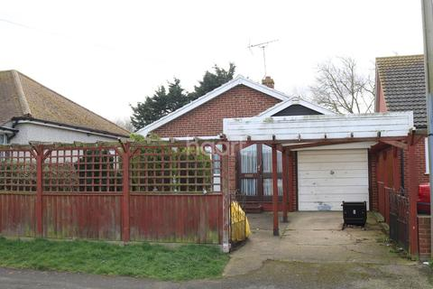 2 bedroom bungalow for sale - Sheerness