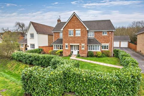 5 bedroom detached house for sale - Priory Lane, Warfield, Berkshire, RG42
