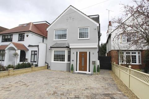 3 bedroom flat to rent - Cannon Lane, Pinner