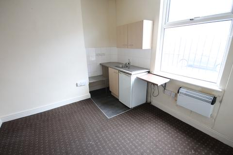Studio to rent - Recreation Terrace, Holbeck, Leeds, LS11 0AW