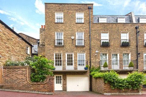 3 bedroom terraced house to rent - Bourne Street, Belgravia, London, SW1W