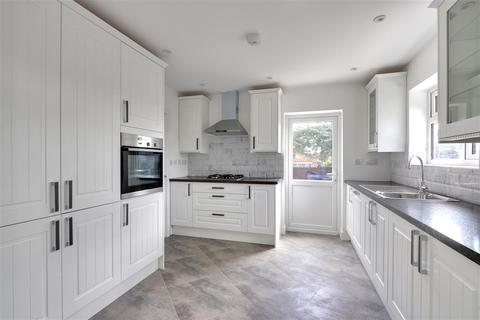 6 bedroom detached house to rent - Upper Road, Higher Denham