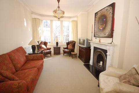 3 bedroom apartment to rent - Church Crescent, Finchley, London, N3