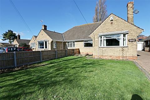 2 bedroom bungalow for sale - Mayland Drive, Cottingham, East Yorkshire, HU16