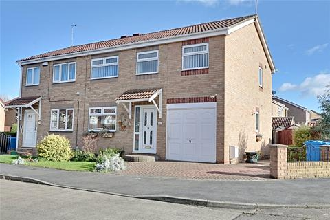 4 bedroom semi-detached house for sale - Dunnock Close, Hull, East Yorkshire, HU8
