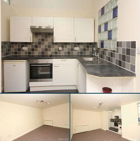 1 bedroom apartment to rent - Warren Road, Torquay