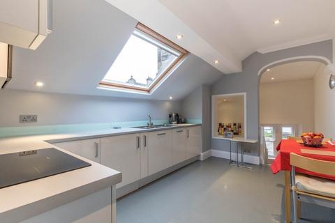 2 bedroom apartment for sale - Flat 6, The Regent, Main Street, Grange-over-Sands