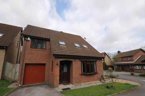 4 bedroom detached house to rent - Raphael Avenue, Brackla, Bridgend