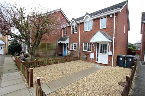 Great First Time Buy Modern Freehold Coach House With Carport Garden 2 Bed Coach House For