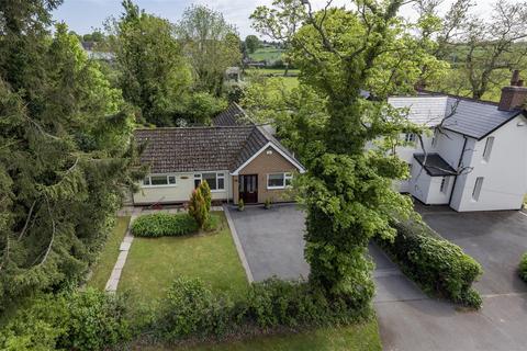 2 bedroom detached bungalow for sale - Duggins Lane, Tile Hill, Coventry