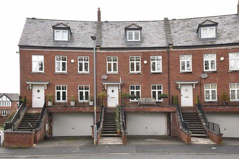 4 bedroom mews for sale - Eastgate, Macclesfield