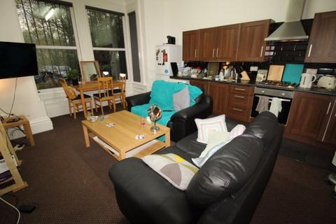 3 bedroom flat to rent - Cardigan Road, Headingley, Leeds, LS6 1EB