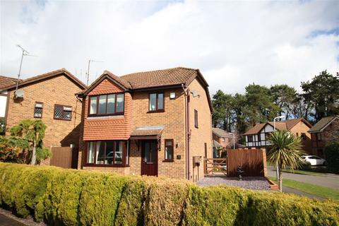 3 bedroom detached house for sale - Attlee Close, Spinney Hill, Northampton