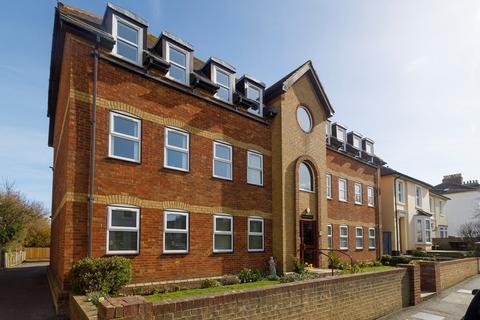 2 bedroom flat for sale - Spicer Court, Stade Street , Hythe, CT21
