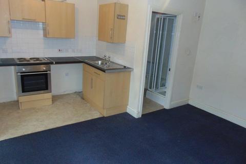 Studio to rent - Adelaide Road