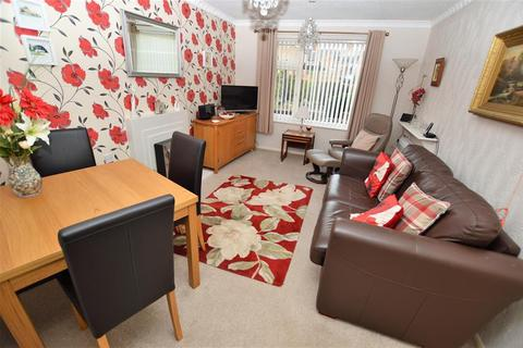 2 bedroom flat for sale - Jasmine Court, Wigston, LE18 4TR