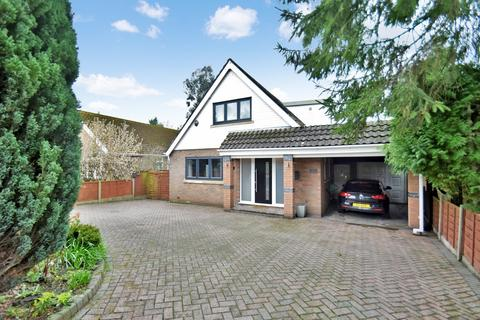 3 bedroom detached house to rent - Moss Lane, Bramhall, Stockport