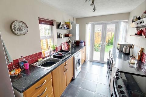 3 bedroom terraced house to rent - Elmfield Road, Peterborough, Cambridgeshire, PE1 4HA
