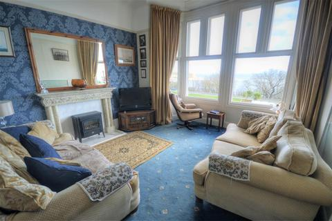 1 bedroom flat for sale - Esplanade, Scarborough