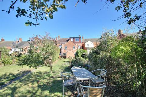 2 bedroom semi-detached house for sale - London Road, Bozeat
