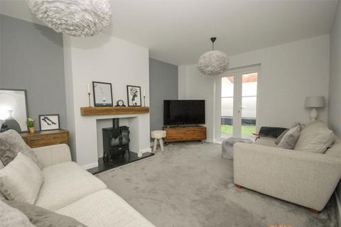 3 bedroom semi-detached house for sale - Agnes Silverside Close, Colchester, Essex