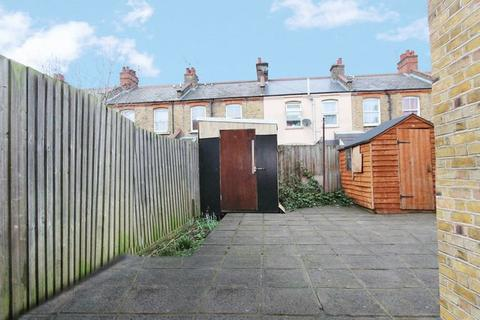 4 bedroom house to rent - Russell Avenue, Wood Green N22