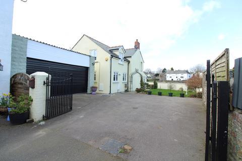 3 bedroom detached house for sale - Isca Road, Caerleon, Newport, NP18