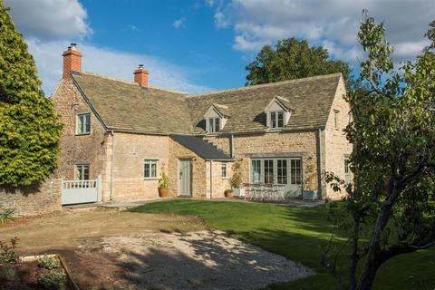 4 bedroom house for sale - The Green, Bledington