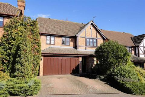 4 bedroom detached house for sale - Green Trees, Epping, Essex