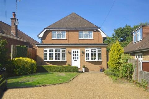 4 bedroom detached house for sale - Links Drive, Radlett, Herts