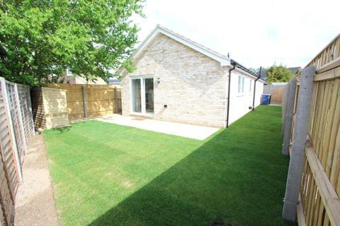 2 bedroom bungalow for sale - Dunsmore Close, Cambridge, CB5