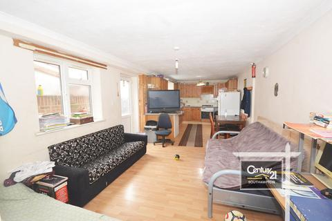 4 bedroom terraced house to rent - Radcliffe Road, Southampton, Hampshire, SO14