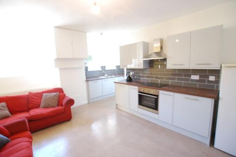 6 bedroom flat to rent - High Street Flat B, Sheffield