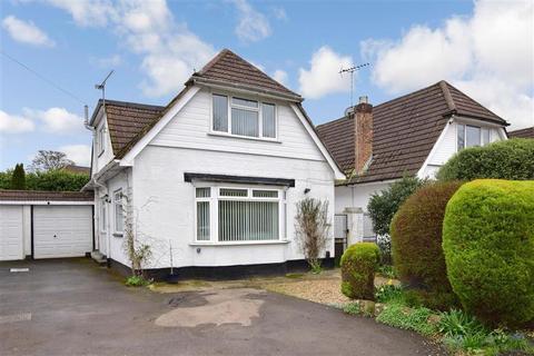 2 bedroom detached bungalow for sale - Havant Road, Horndean, Waterlooville, Hampshire