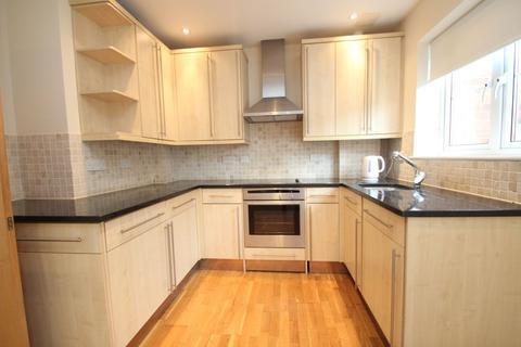 2 bedroom flat to rent - Billet Lane, Hornchurch, RM11