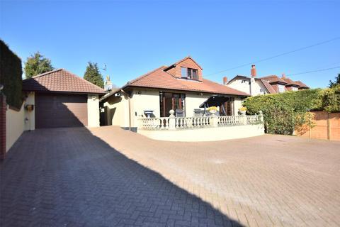 3 bedroom detached bungalow for sale - Stockwood Vale, Keynsham, BRISTOL, BS31 2AP