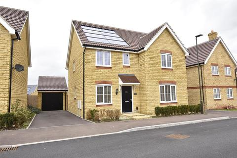 4 bedroom detached house for sale - Bishops Cleeve, CHELTENHAM, GL52 8FS