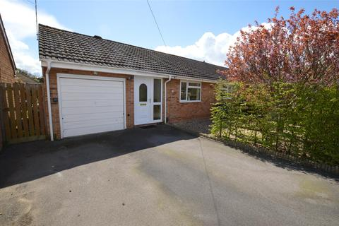 2 bedroom semi-detached bungalow for sale - Hertford Road, Bishops Cleeve GL52