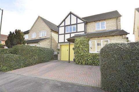 4 bedroom detached house for sale - Wheatsheaf Drive, Bishops Cleeve, GL52