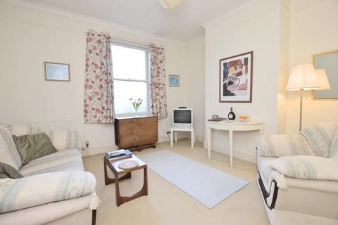 2 bedroom flat for sale - Cork Place, BATH, BA1 3BB