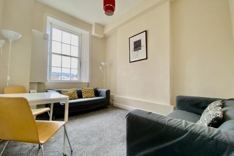 3 bedroom flat to rent - Ratcliffe Terrace, Newington, Edinburgh, EH9