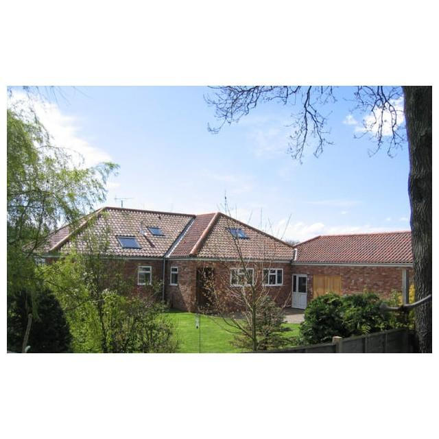 4 Bedrooms Bungalow for sale in Lowfield Lodge, Old Malton YO17 6SG