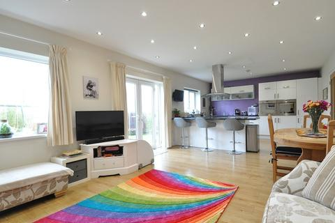 4 bedroom detached house for sale - 244 Barry Road, Barry CF62 9BH