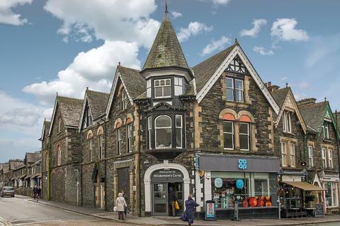 3 bedroom apartment for sale - Flat 2, 2 Oak Street, Windermere, Cumbria, LA23 1EN