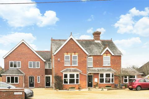 4 bedroom semi-detached house for sale - Lansdowne Mews, 35 Liphook Road, Lindford, Hampshire, GU35