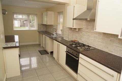 3 bedroom semi-detached house to rent - Cubley Road, Hall Green, B28